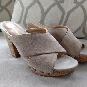 Nude suede nine West cork heel shoe size 6.5